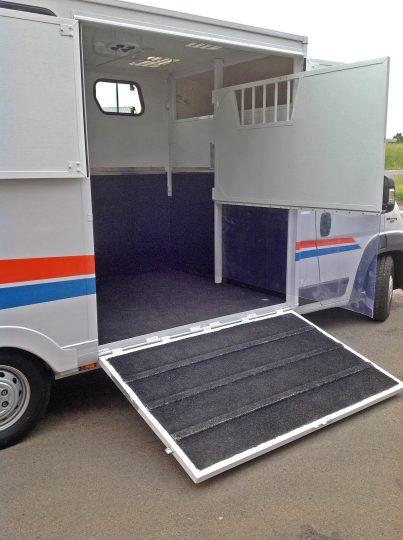 fiat-chevaux-interieur