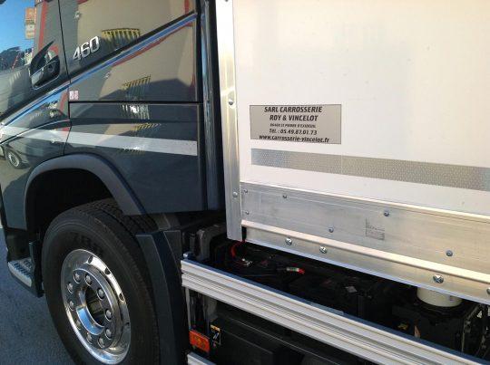 pose-caisse-camion-demenagement